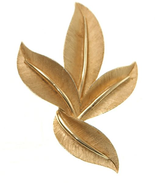 Vintage Trifari gold leaf brooch